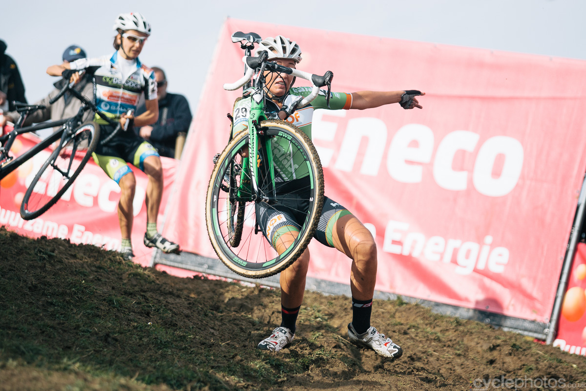 Sophie de Boer rides in the second lap of the Bpost Bank Trofee cyclocross race in Ronse. Photo by Balint Hamvas / cyclephotos.co.uk