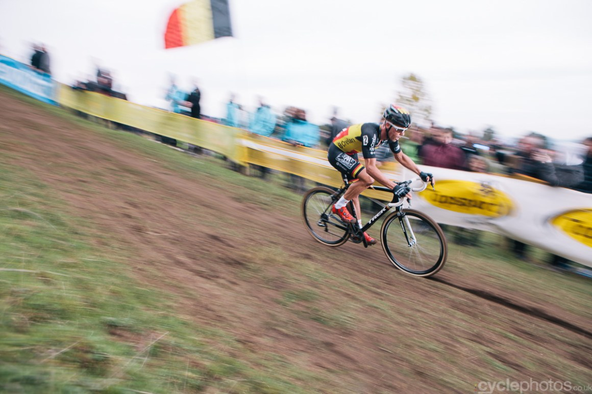 Sven Nys descents with two laps to go of the Bpost Bank Trofee cyclocross race in Ronse. Photo by Balint Hamvas / cyclephotos.co.uk