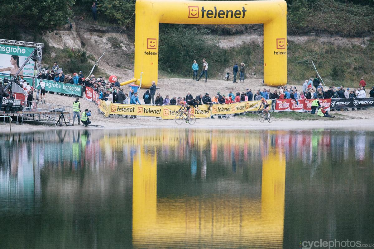 2014-cyclocross-superprestige-gieten-lake-1752
