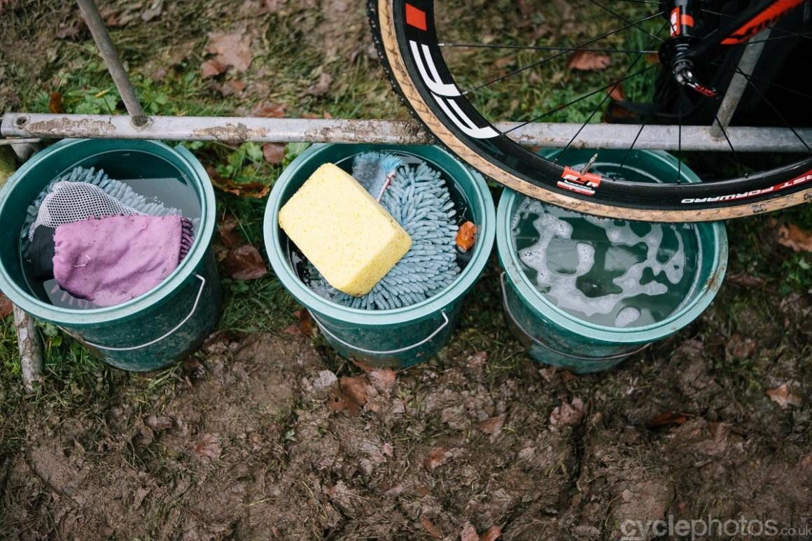 2014-cyclocross-superprestige-gavere-buckets-163159