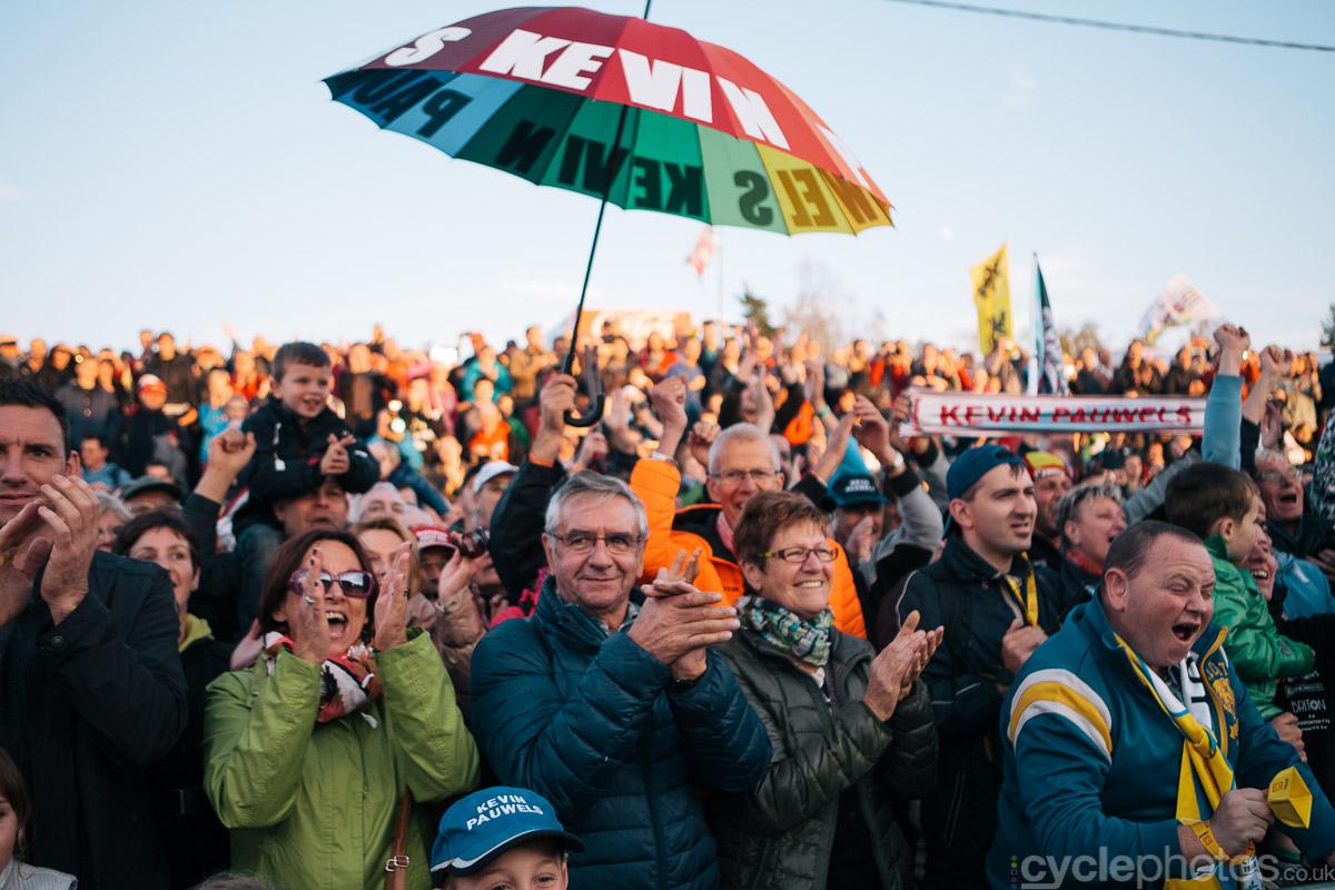 2014-cyclocross-superprestige-zonhoven-kevin-pauwels-supporters-173922