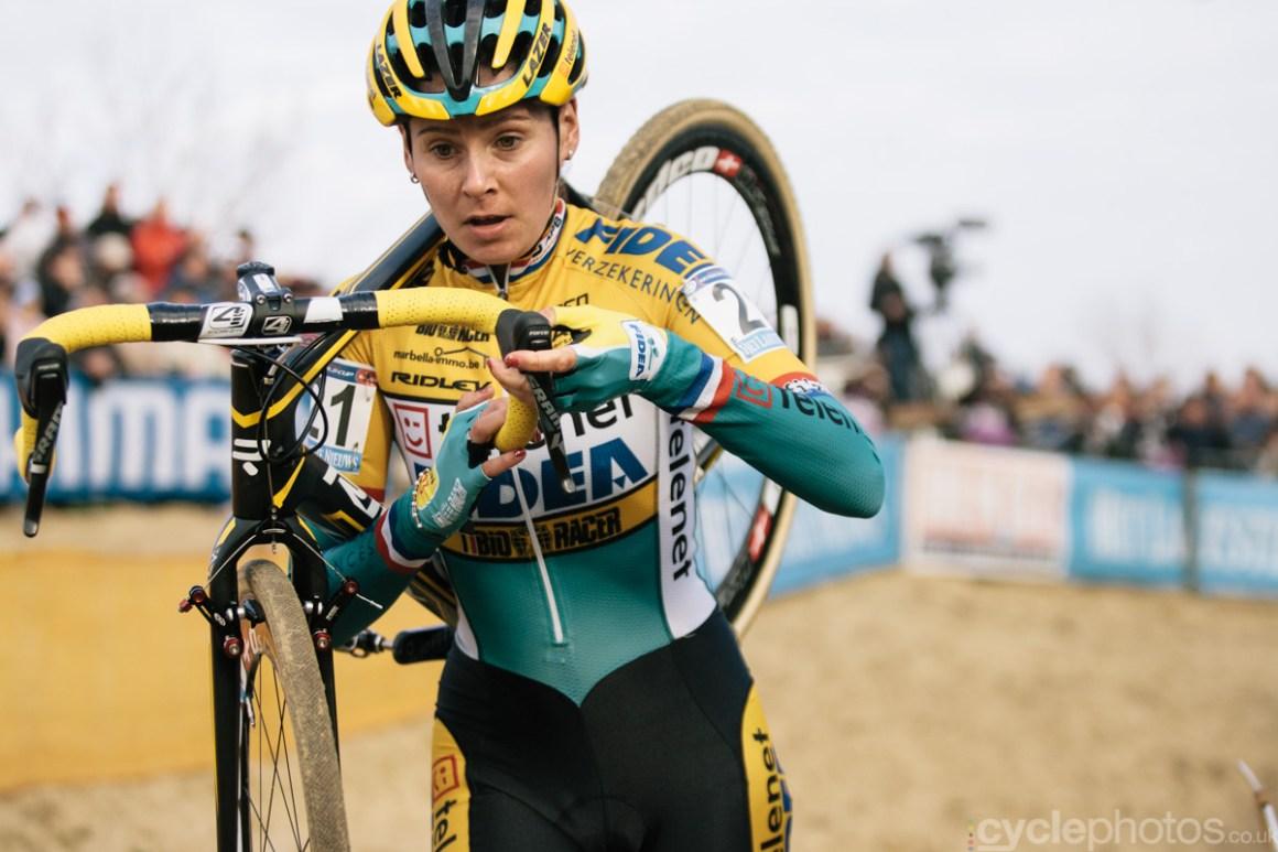 2014-cyclocross-world-cup-koksijde-nikki-harris-143450