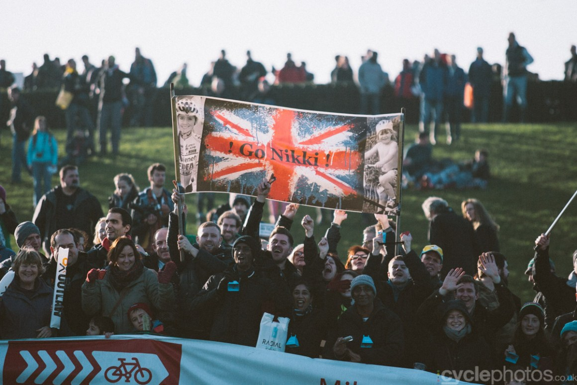 2014-cyclocross-world-cup-milton-keynes-nikki-harris-supporters-152336