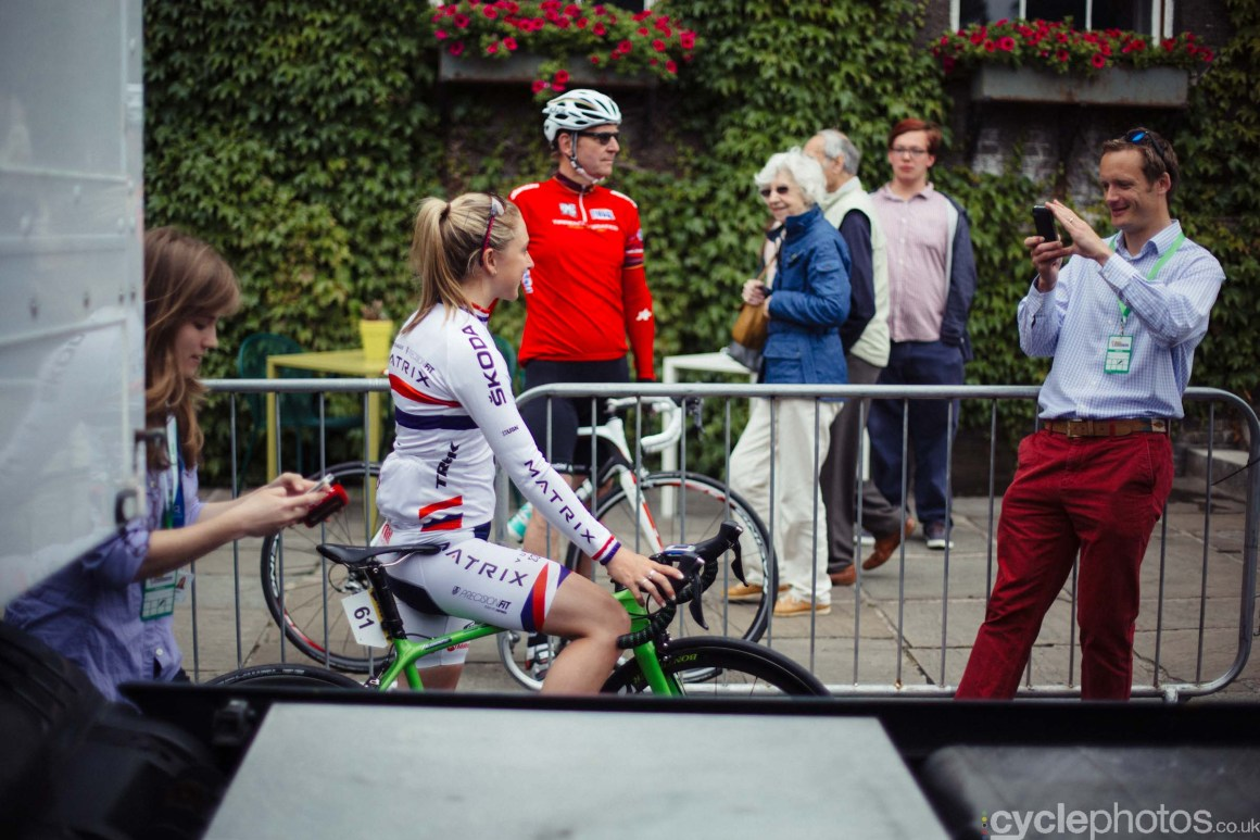 cyclephotos-womens-tour-of-britain-102724-laura-trott