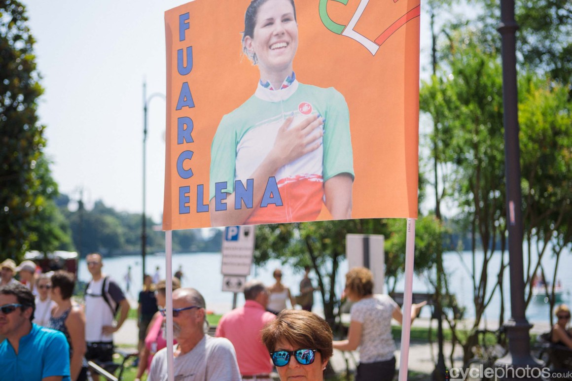 An Elena Cecchini supporter before the 9th stage of the 2015 Giro Rosa