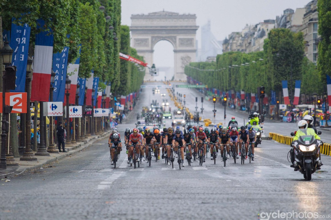 The peloton during the 2015 edition of the La Course by Le Tour women's road cycling race.