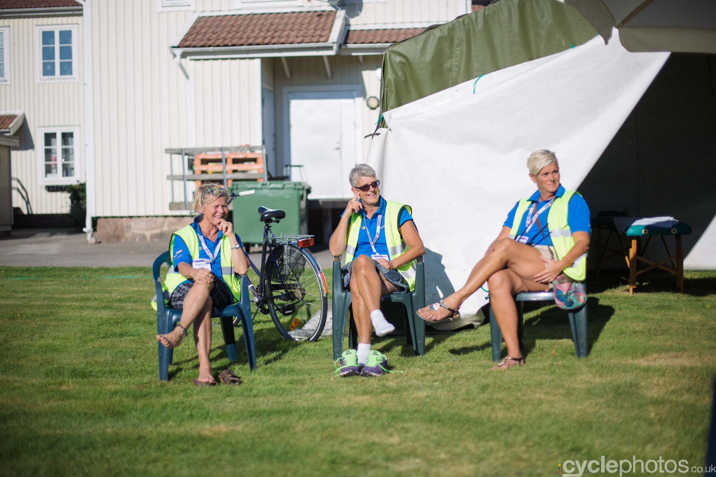 Medical staff before the 2015 edition of the Vargarda women's World Cup race