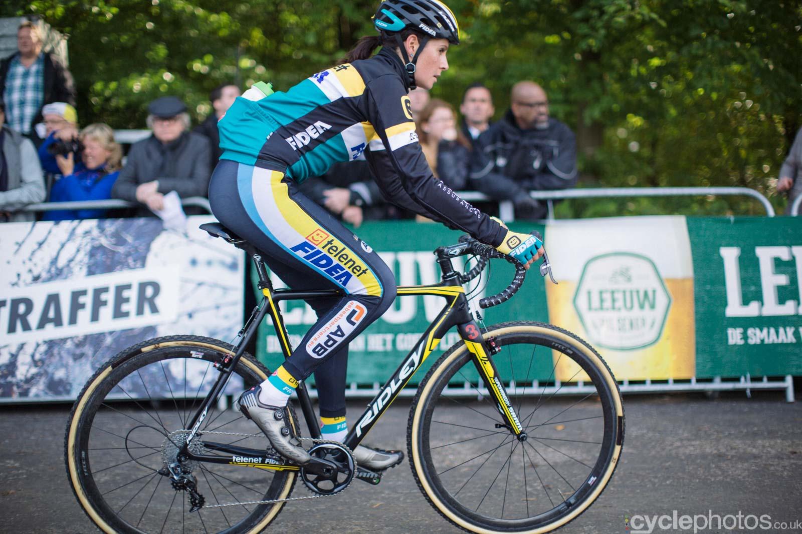 2015-cyclephotos-cyclocross-valkenburg-132315-nikki-harris