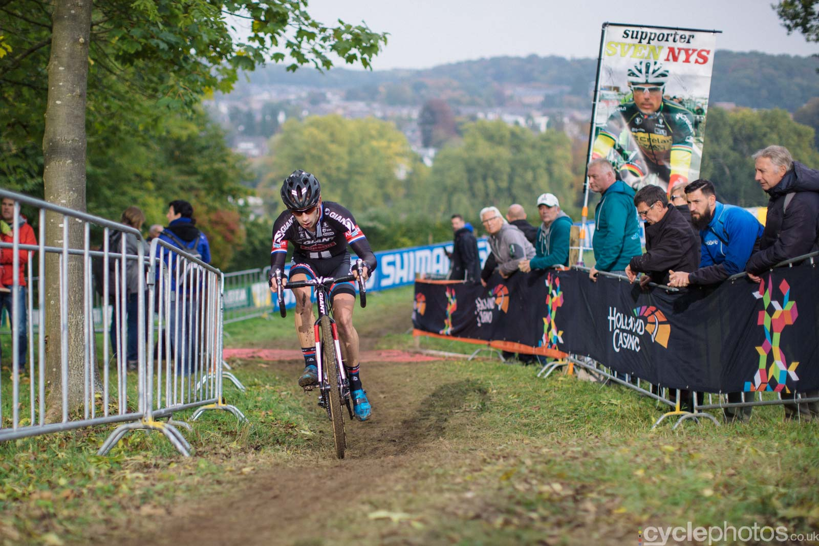 2015-cyclephotos-cyclocross-valkenburg-153140-lars-van-der-haar