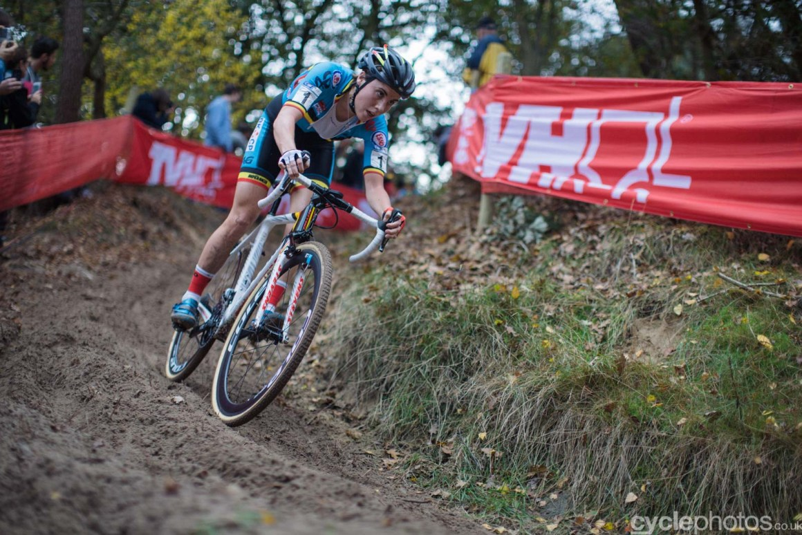 2015-cyclephotos-cyclocross-eucx-huijbergen-140438-sanne-cant