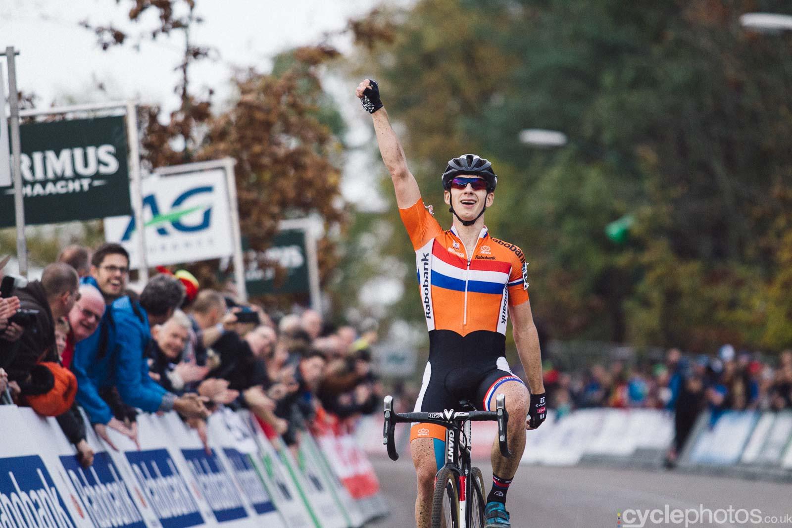 2015-cyclephotos-cyclocross-eucx-huijbergen-160316-lars-van-der-haar