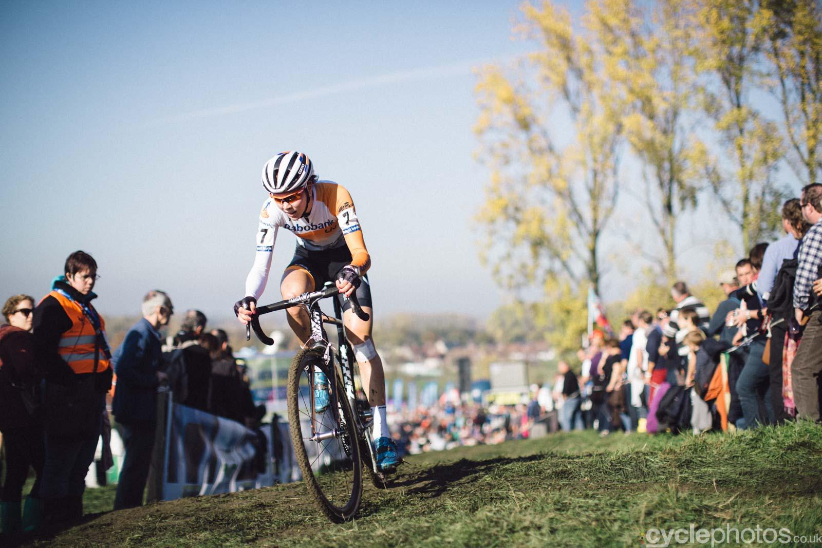 2015-cyclephotos-cyclocross-koppenberg-145615-thalita-de-jong