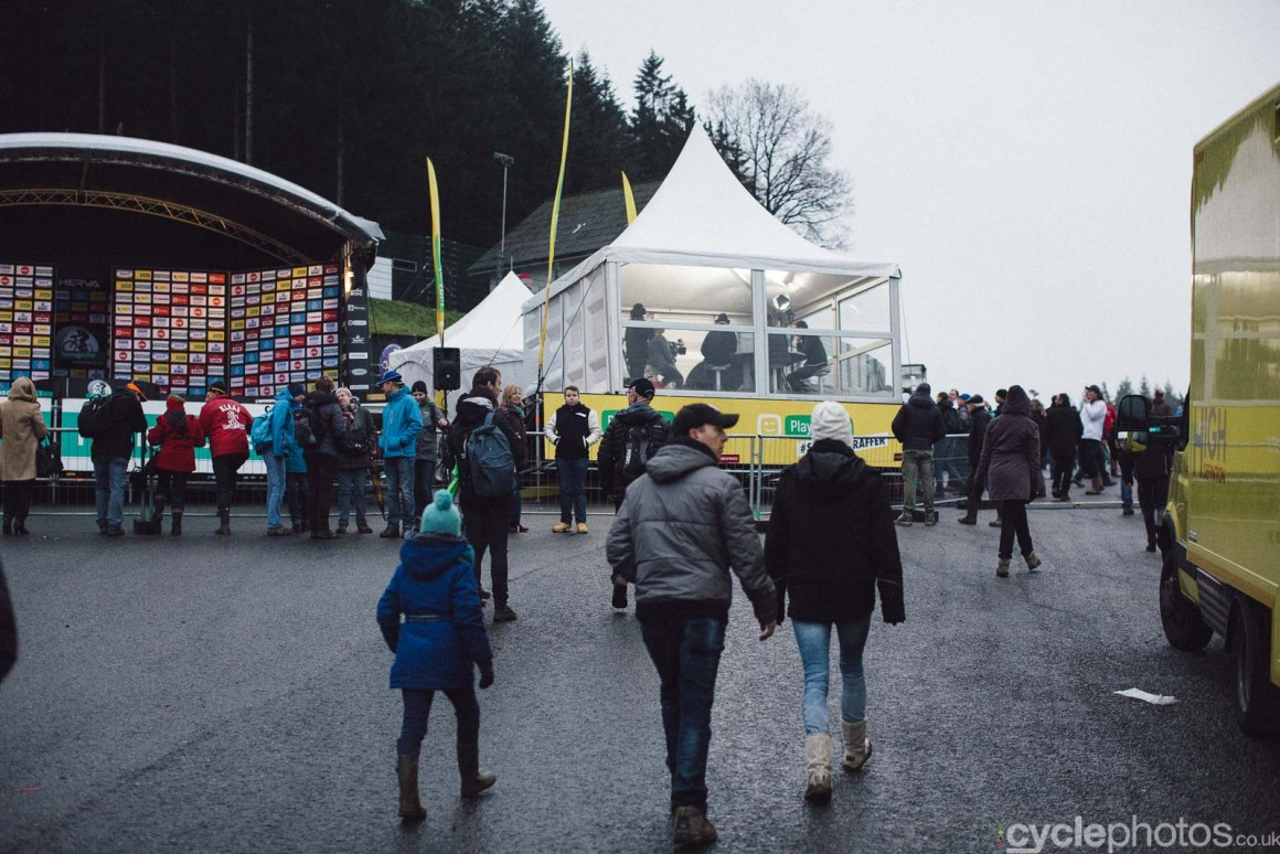2015-cyclephotos-cyclocross-spa-155812-tv-tent