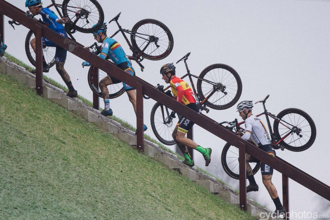 2016-cyclephotos-cyclocross-hoogerheide-113638-stairs