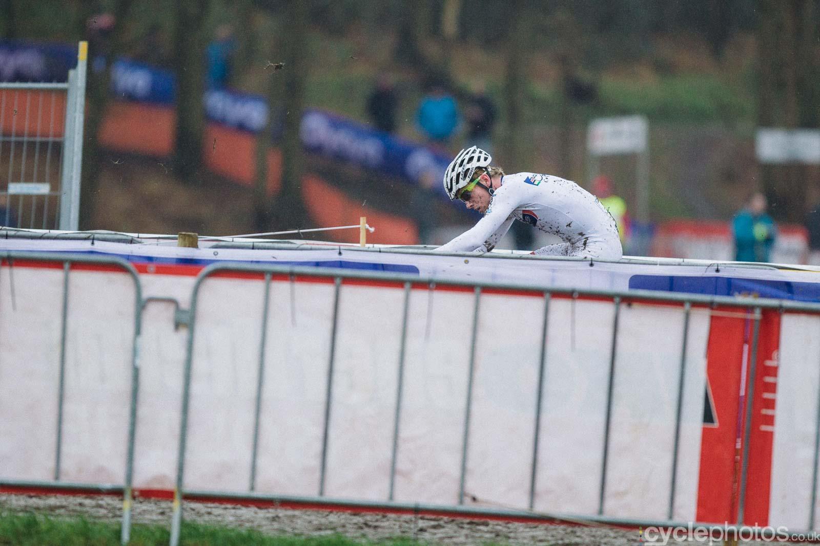 2016-cyclephotos-cyclocross-hoogerheide-113913-eli-iserbyt