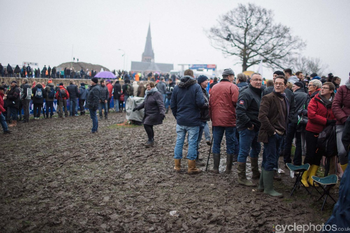 2016-cyclephotos-cyclocross-hoogerheide-135951-spectators