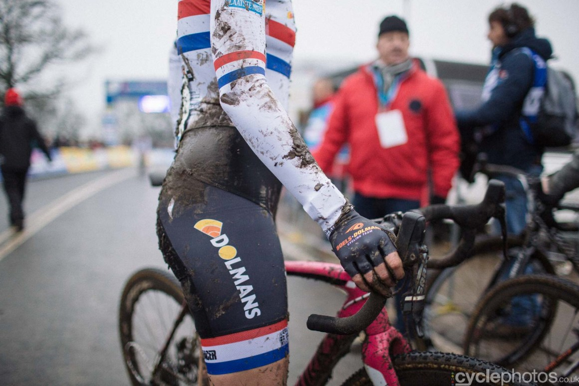 2016-cyclephotos-cyclocross-hoogerheide-141131-nikki-harris