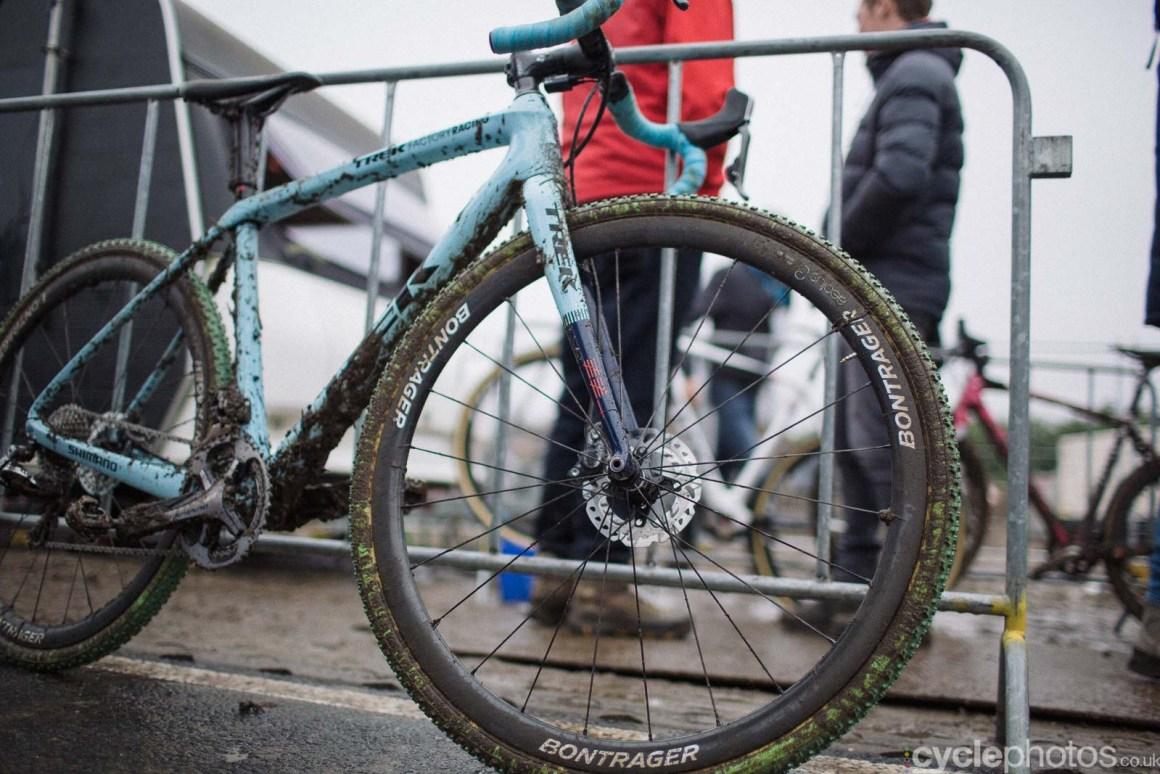 2016-cyclephotos-cyclocross-hoogerheide-142055-katie-compton