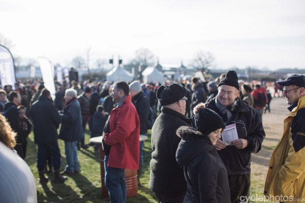 2016-cyclephotos-cyclocross-lignieres-112911-spectators-2