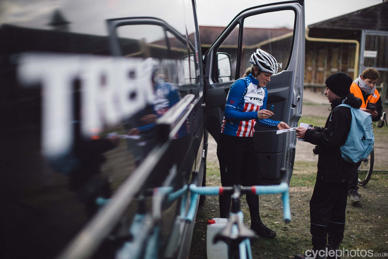 2016-cyclephotos-cyclocross-lignieres-155422-katie-compton