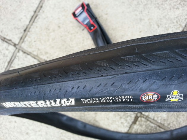 Kenda Kriterium tread has grooves to aid cornering grip in wet conditions