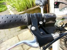 Sunrace M30 gear shifters and Taiwanese Alhonga V-brake levers