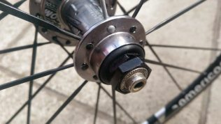My kind of hub: rear hub is simple, almost crude, but should be bullet proof