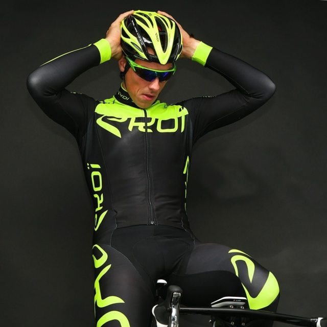 The Ekoi Aerocomp Thermal Suit, has a skinny fit that won't hide any winter excess you've accumalated