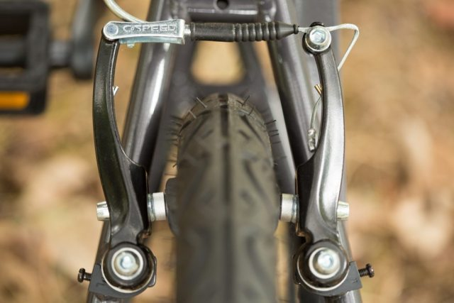 Decent brakes that work, shame that a lot of manufacturers consider that optional on kids bikes