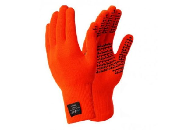 Start every ride with a smile. Orange gloves make us happy!