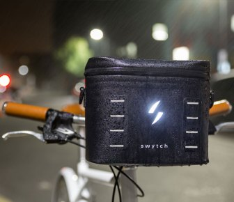 The battery pack also includes a 500 lumens light and a USB output