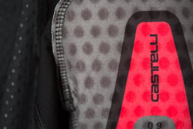 close up image of the chamois on the Castelli Aero Race 4 bib shorts