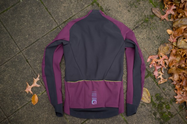 Rear view of the Àle cycling Course Combi jacket.