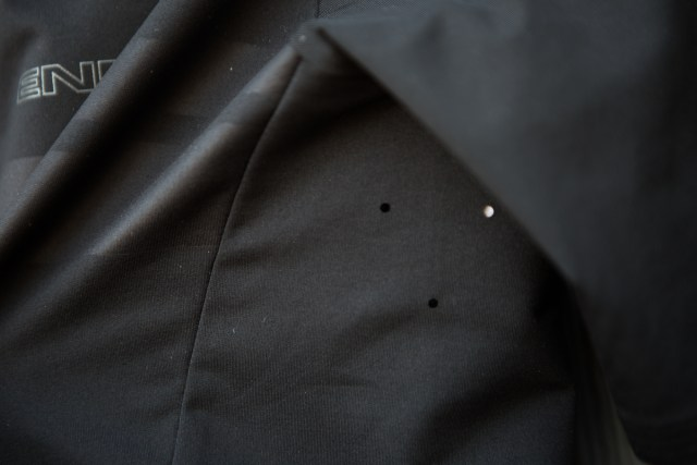 detail image showing under the arm on the Endura Pro SL cycling jersey.
