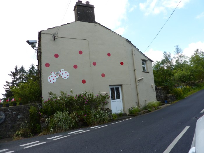 Spotty house on the Buttertubs climb