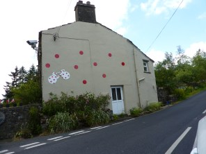 Spotty house on the Buttertubs climb