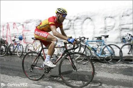 Juan Manuel Gárate climbing Passo di Gavia