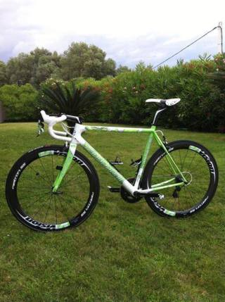 """Another view of Peter Sagan's Cannondale SuperSix Evo Tour de France 100th special edition """"The Hulk""""."""