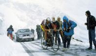 Andy Hampsten at Giro '88, climbing Passo di Gavia