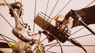 JohnnyRandom-bespoken, bike music