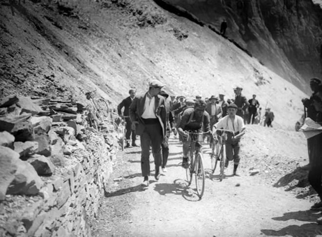Ottavio Bottecchia climbing Col du Tourmalet