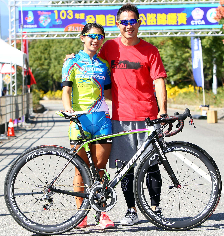 申騰美利達隊黃亭茵(左)與巫帛宏(右)
