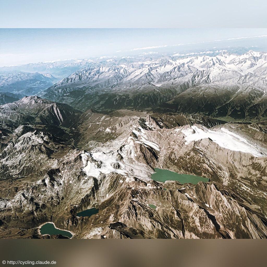 Alpenansicht aus dem Flugzeug fotografiert