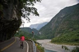 Taiwan_2009_HuaLien_Taroko_Gorge_Biking_FRD_5416_Pano_Extracted