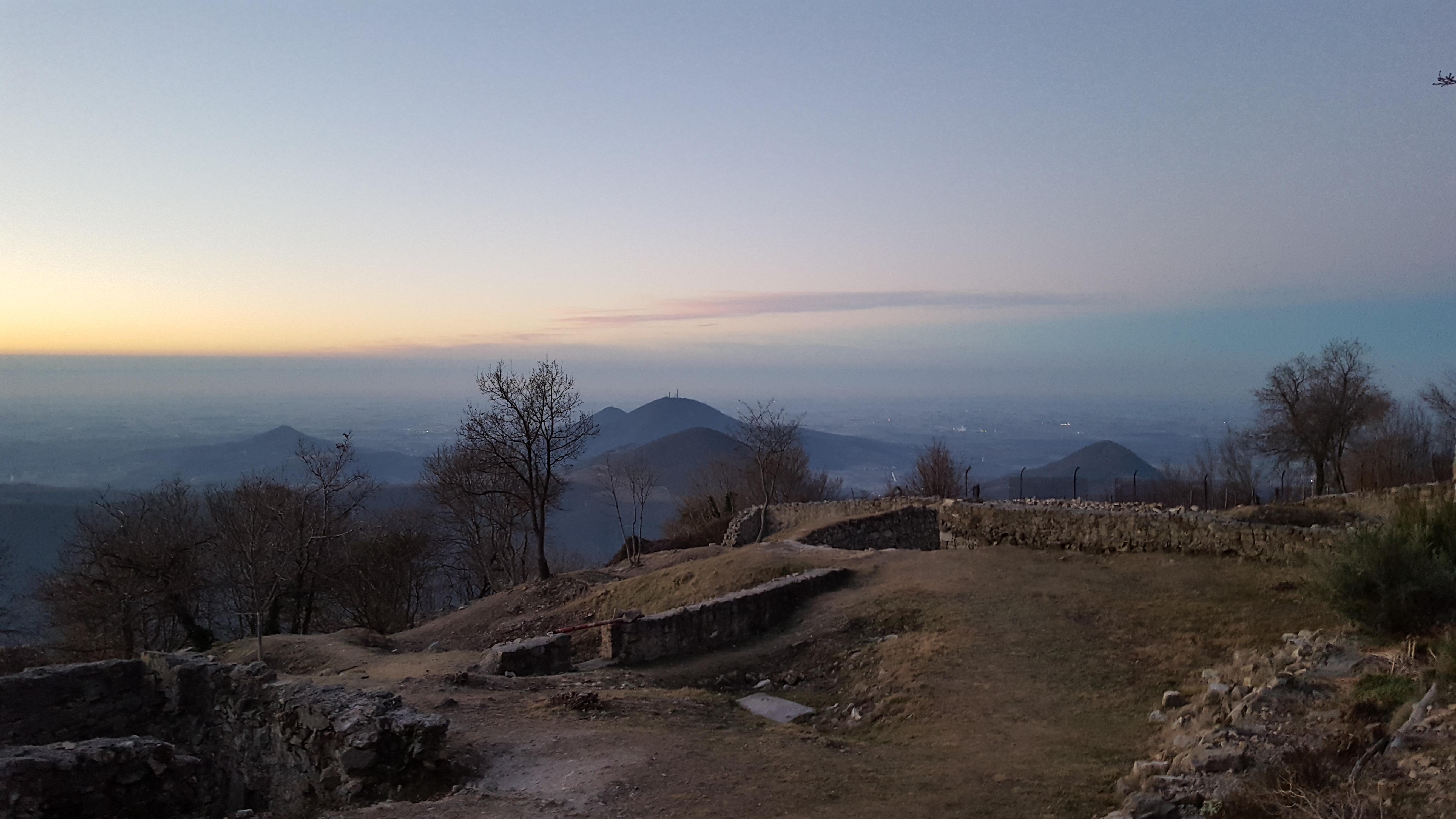 Il monastero degli Olivetani: trekking sul monte Venda alla scoperta delle sue rovine
