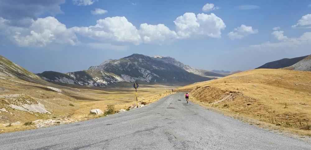 campo-imperatore-in-bicicletta
