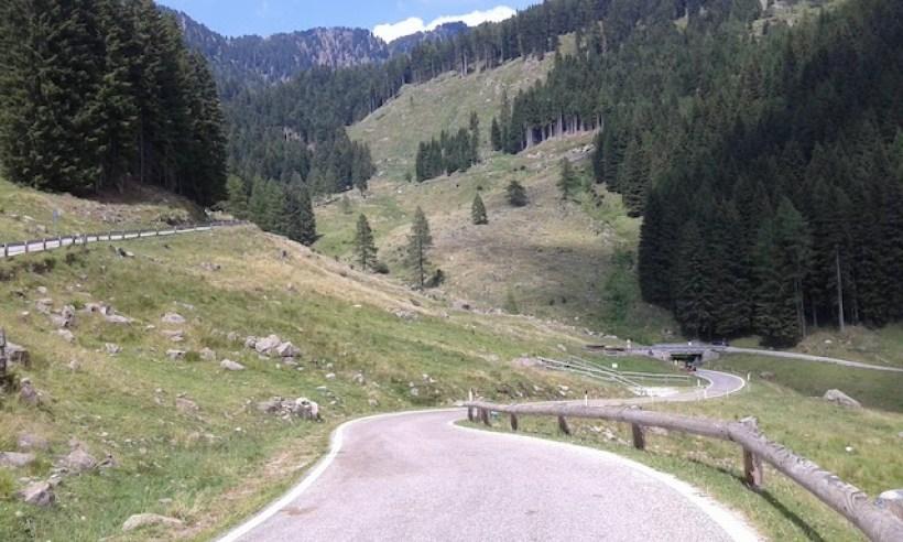 passo-manghen-in-bicicletta-da-molina-di-fiemme_grandi-salite-del-trentino_manghen-da-borgo-valsugana