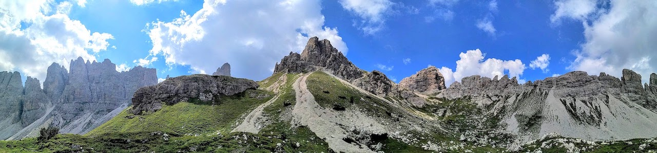 Trekking sulle Dolomiti Friulane: percorso ad anello con due notti in quota