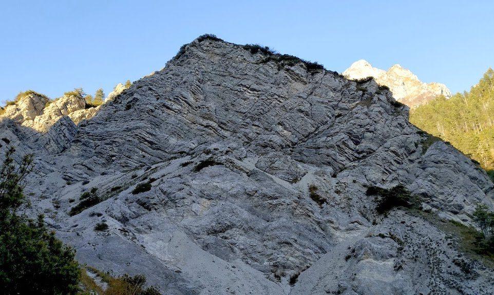 Effetti dello scorrimento della faglia tettonica di Barcis-Staro Selo