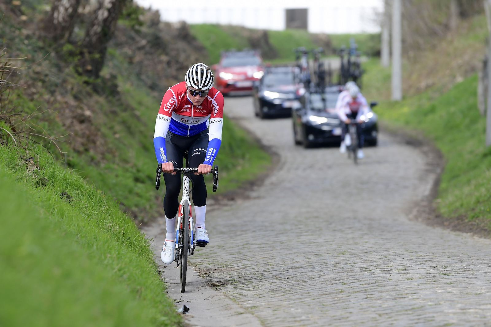 van der poel back on bike uci mulls